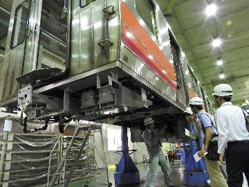 醍醐車庫にて地下鉄車両の見学