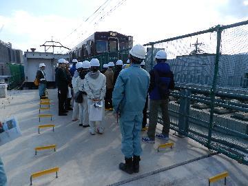 阪急洛西口駅付近の立体交差化工事の様子