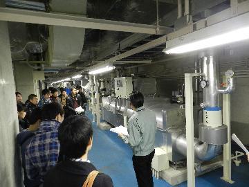 太秦天神川駅構内の機器を見学