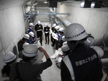 汚泥処理施設管廊築造工事の見学